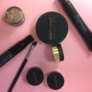 Win Velvet MUA MINERAL MAKEUP KIT